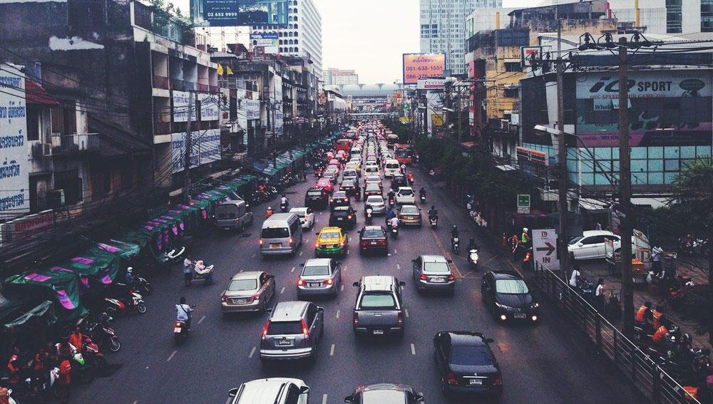 Des décibelmètres pour lutter contre la pollution sonore à Mumbai